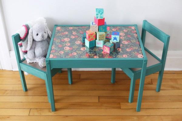 Stolik Ikea LÄTT z krzesełkami