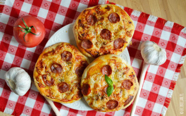 Mini pizzerinki z chorizo