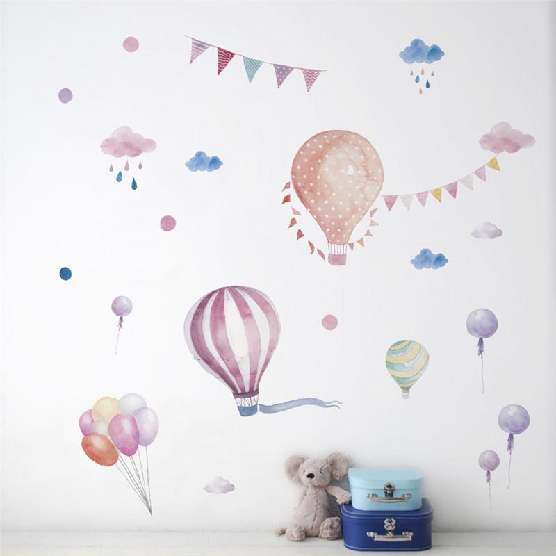 Naklejka na ścianę z Aliexpress z balonami