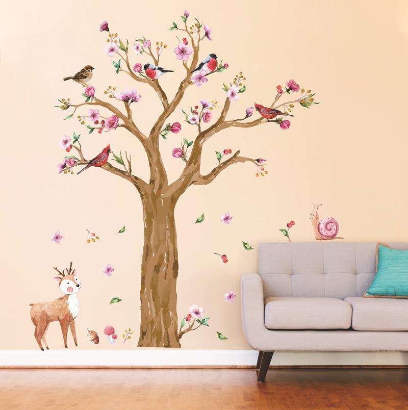 Naklejka na ścianę z Aliexpress z drzewem i jelonkiem