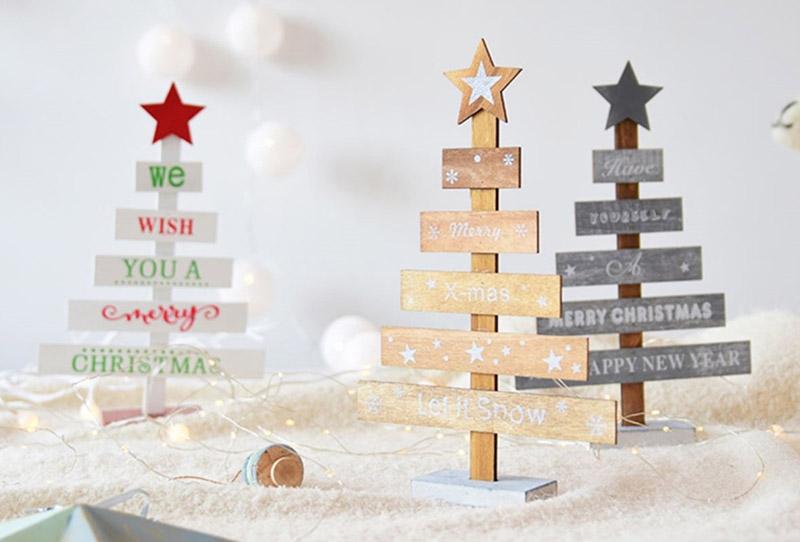 Świąteczna drewniana choinka
