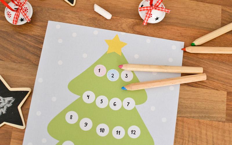 Kalendarz adwentowy możesz pomalować kredkami