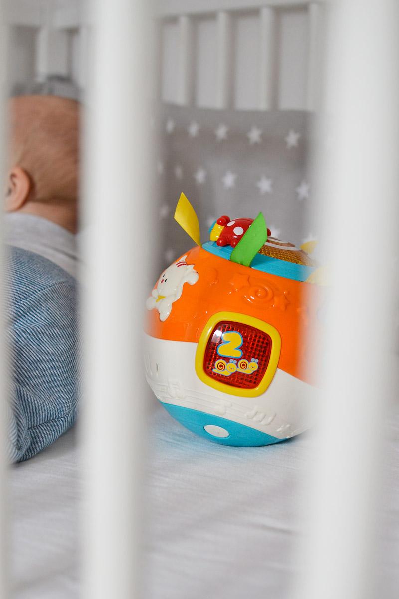 Zabawki dla niemowlaka - Hula-kula