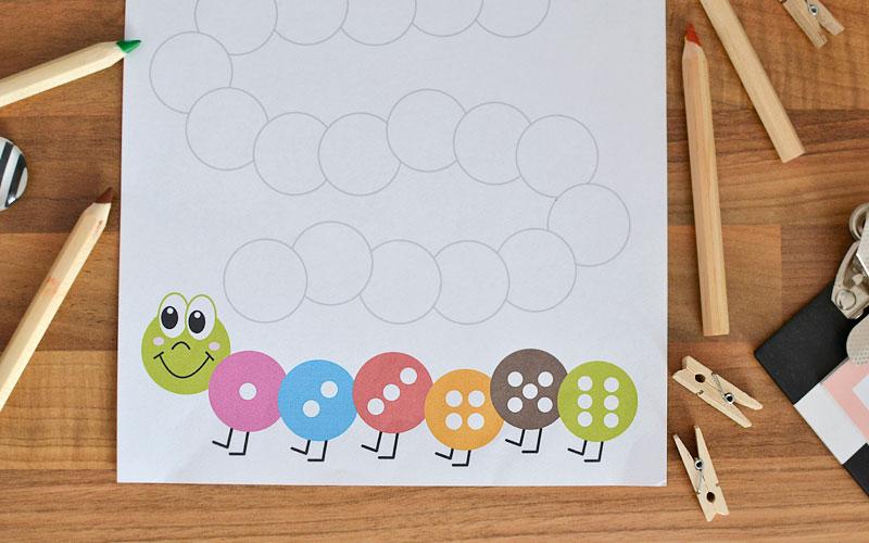 Gra w kolorowanie - wesoła gąsienica do druku