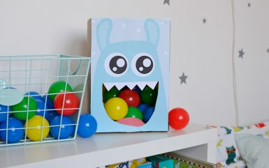 Zabawki z kartonu - potworek łakomczuch