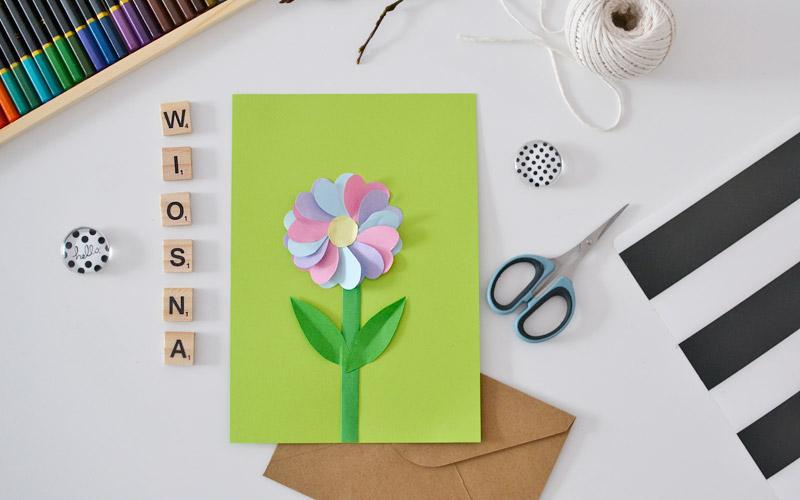 Pastelowy kwiatek z papieru