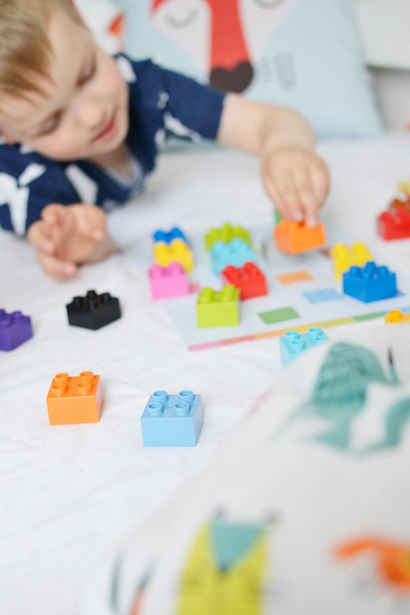 Zabawa z lego Duplo - nauka kolorów - plansze do druku