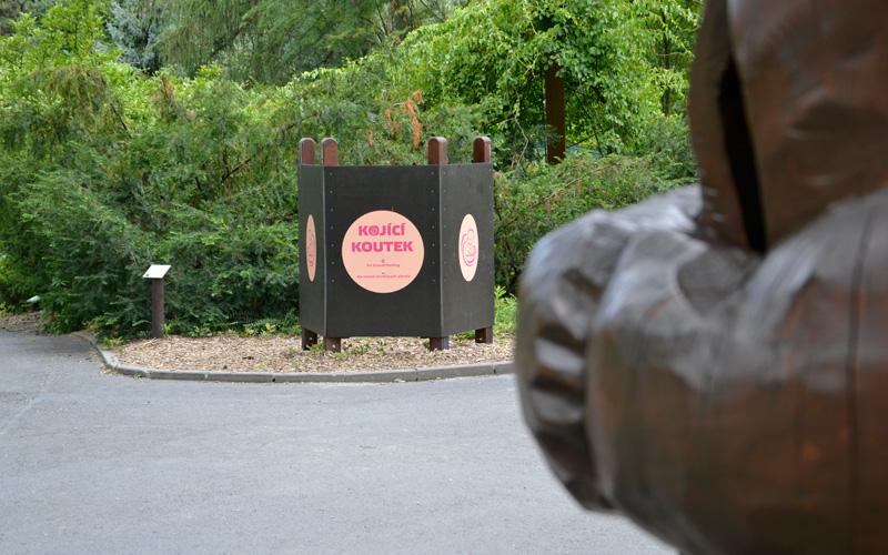 Ławeczka do karmienia piersią w Zoo w Ostrawie