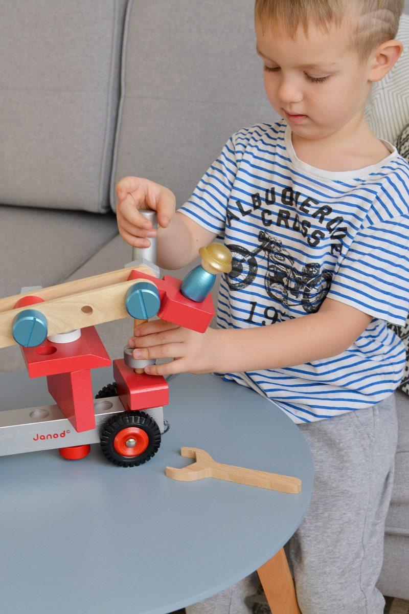 Prezenty dla dzieci na mikołajki - Konstrukcyjny wóz
