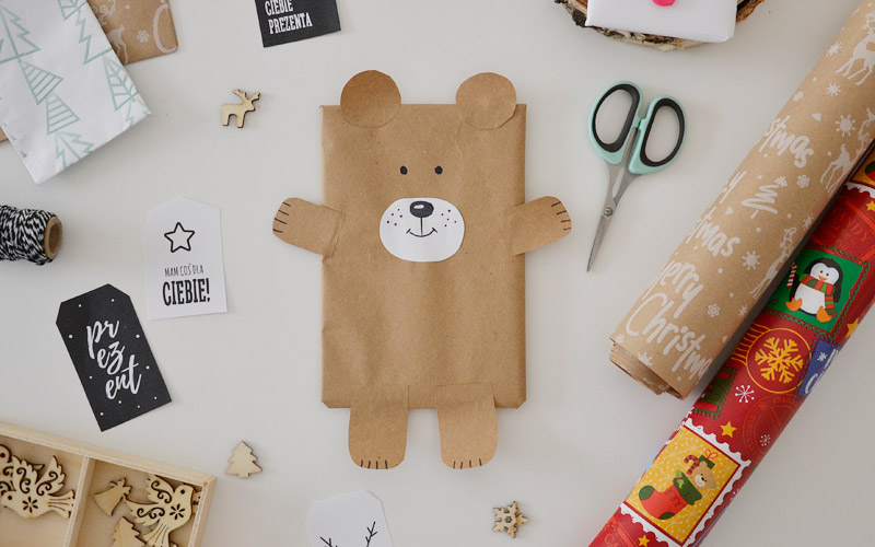 Jak zapakować prezent w kształcie misia?
