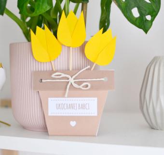 Kwiaty z papieru – pomysł na prezent dla babci DIY