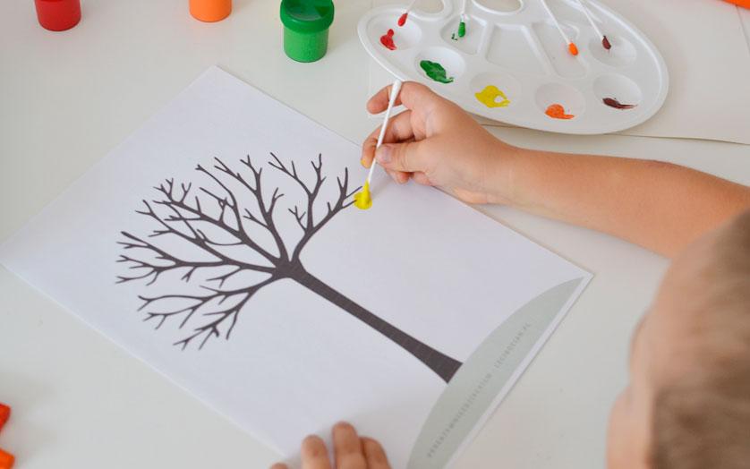 Jesienne drzewo malowane patyczkami