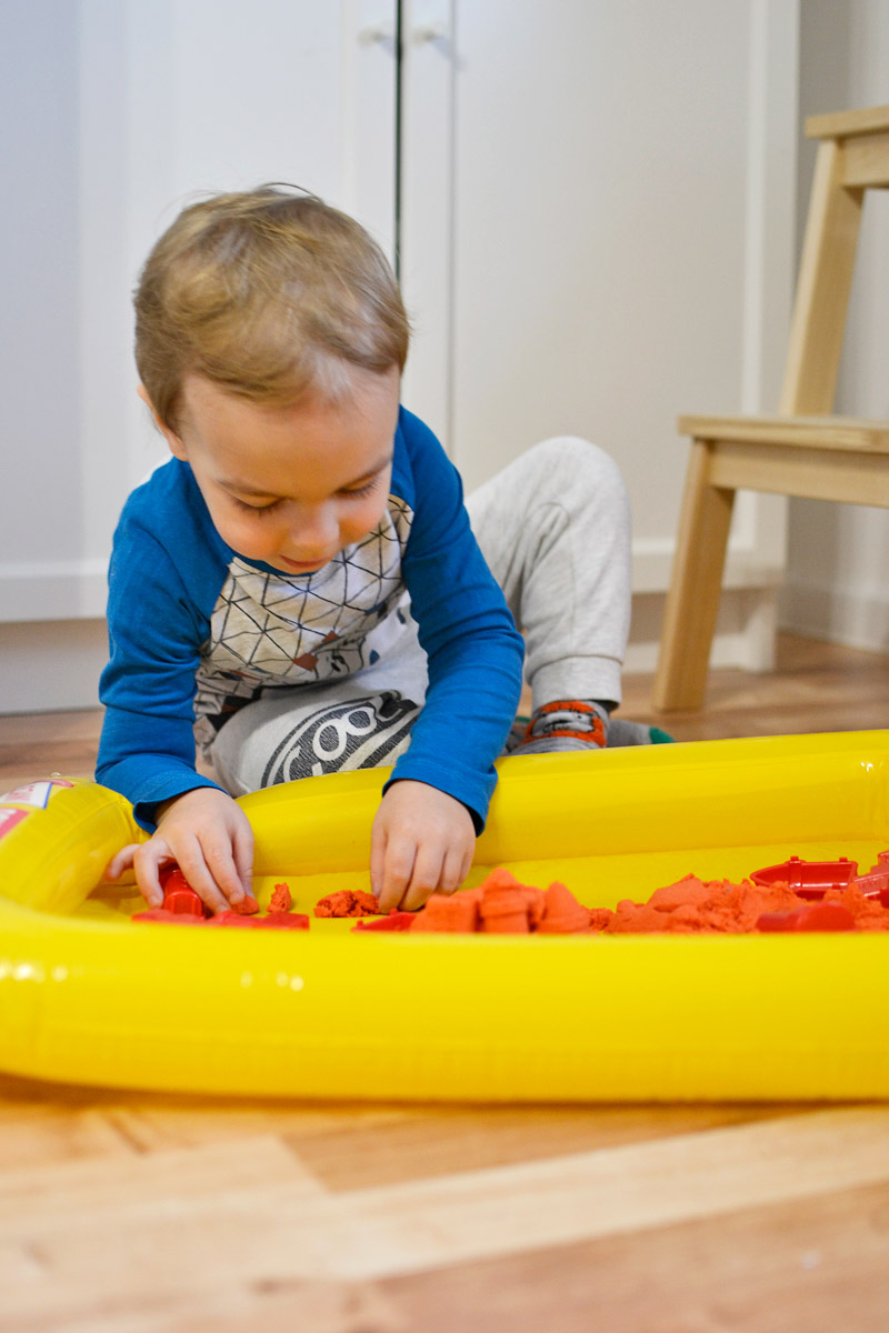 Piasek kinetyczny - jaki wybrać dla dziecka?