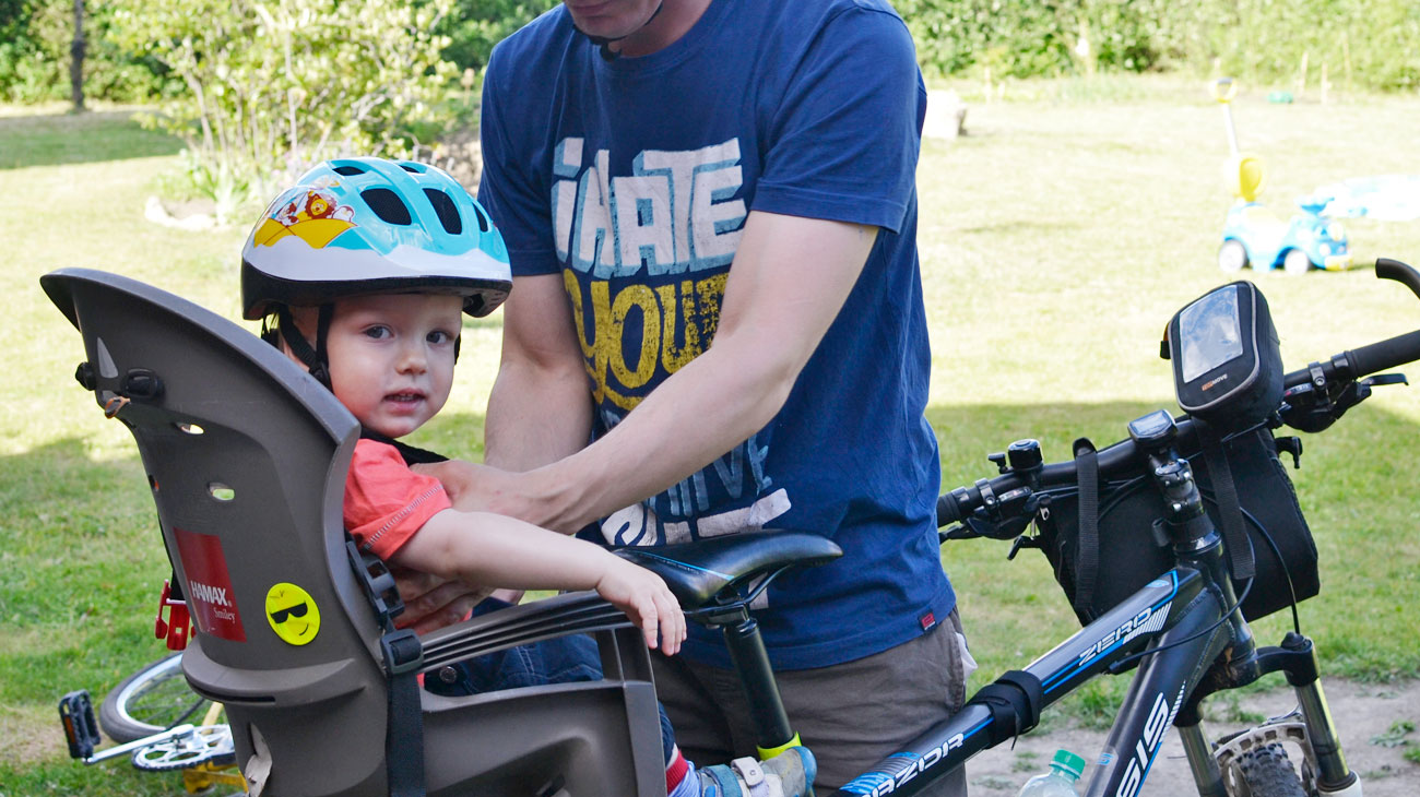Jak przewozić dziecko na rowerze?