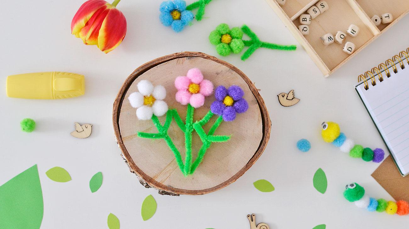 Wiosenne kwiatki z pomponów