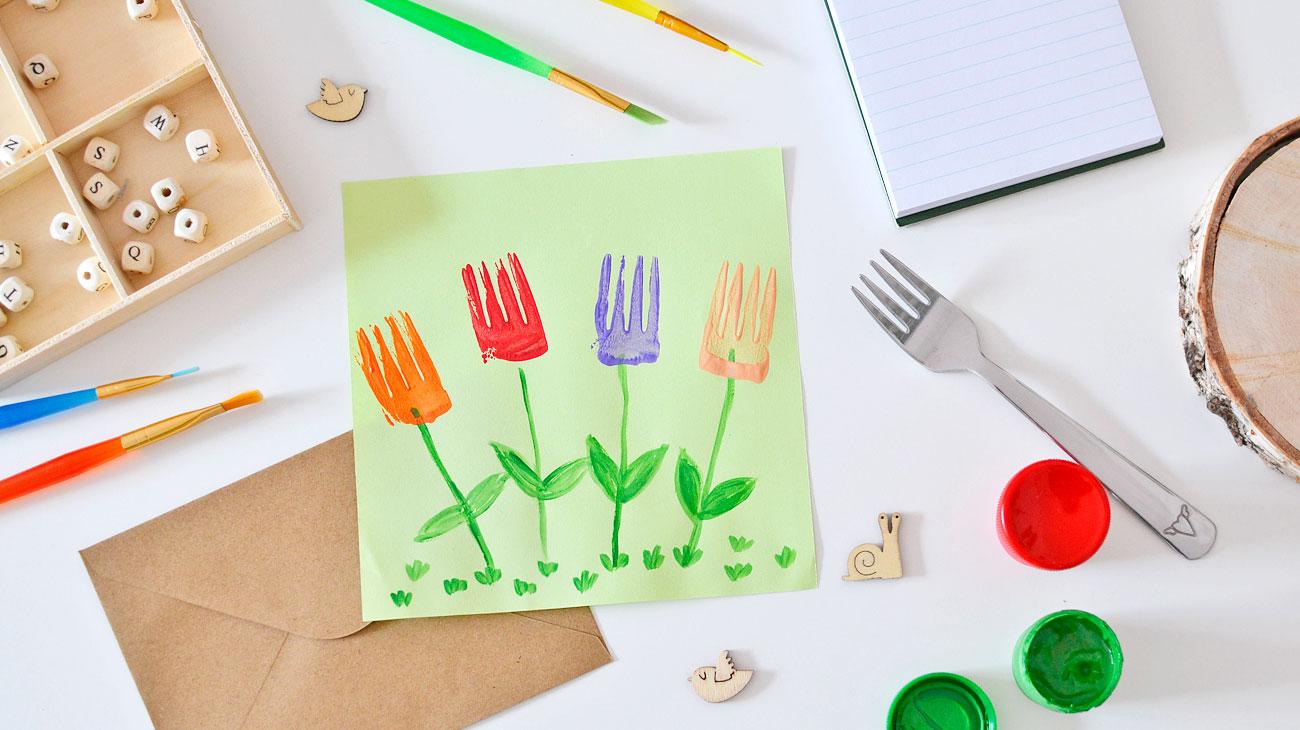 Kwiaty malowane widelcem - wiosenne zabawy dla dzieci