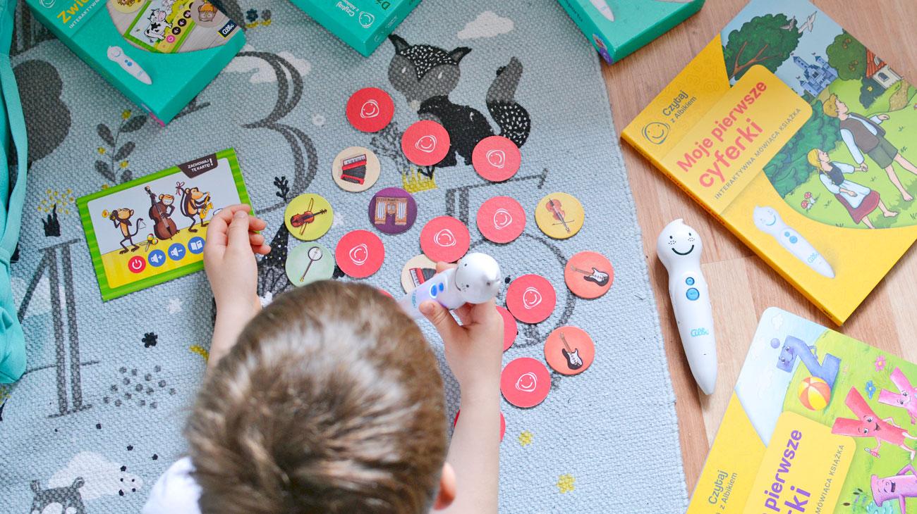 Czytaj z Albikiem i baw się - Mówiące piórko, książki i gry!