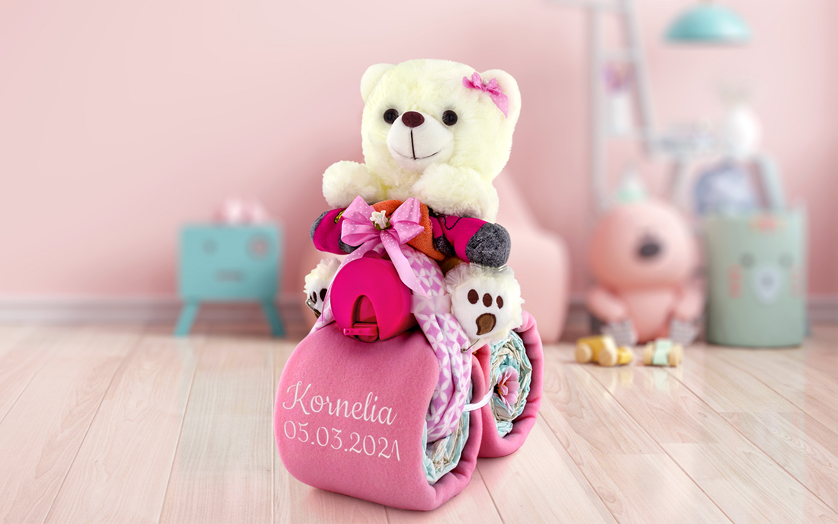 Motorek z pampersów różowy z haftem imienia dla dziewczynki - Księżniczka