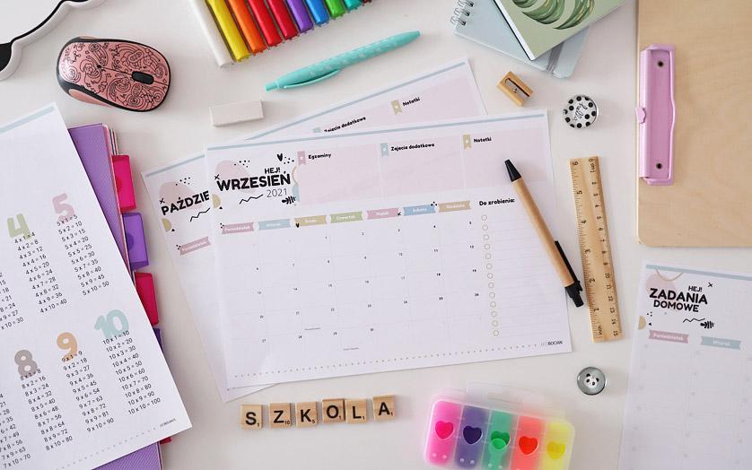 Miesięczne planery na cały rok szkolny